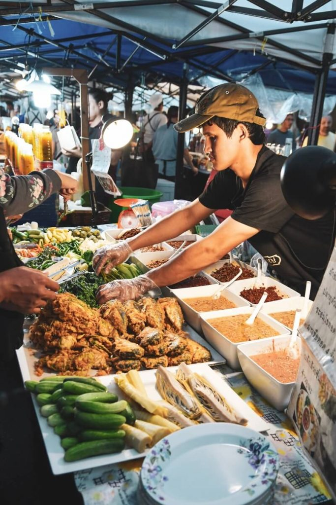 Street food stall in Bangkok, Thailand | What travel has taught me